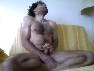 hello, feel hot 2day, see me cumming