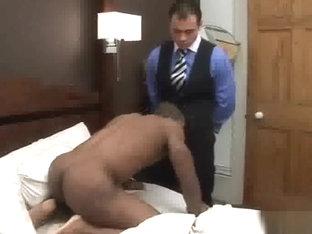 Steve Hunt fucks Eddie Diaz (MenAtPlay)