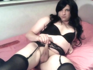 Cutie crossdresser with big dildo