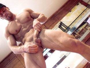 Pascal & Brad in Moving Muscles XXX Video