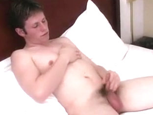 Amateur Couple Jerking And Fucking In Bed