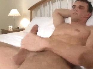 Muscle guy jerks off