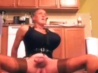 20140915 kitchen black bra