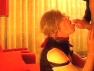 Lara tranny getting fucked and swallowing
