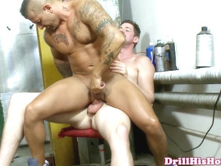 Andrew Stark pounding bottom bitch