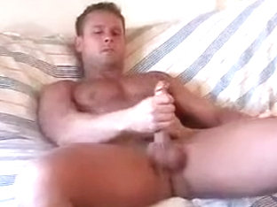 Hunks furious solo jizzing and fingering