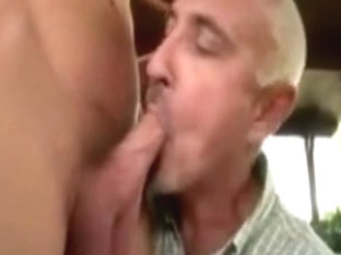 Mature orally pleases gay hottie