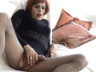 Bianca Black wanks in nylon pantyhose