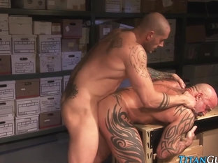 Muscly studs cum in comp
