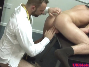 Brit office muscle bear gets facial