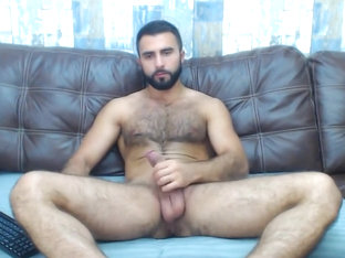 Romanian hunk plays on cam