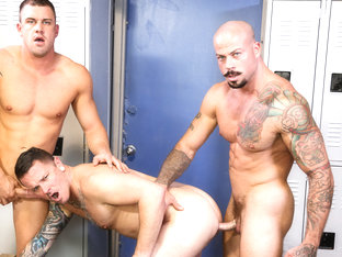 Darin Silvers & Sean Duran & Max Cameron in Caught Stretching out His Mouth Video - MenOver30