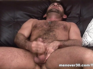 MenOver30 Video: Slow Stroken