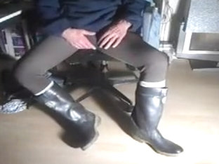 nlboots - feeling wonderful (in boots and lycra)