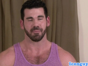 Mature muscular masseur plows hunk ass