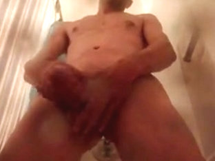 Amateur gay porn with a guy wanking