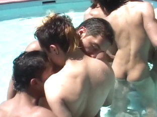 Hot Bareback Twinks In The Pool Have Butt Sex