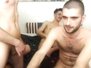 4 Romanian Bi Boys Jerking Each Other Cock Have Fun