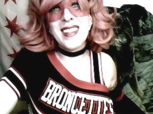 Cd cheerleader cums hard