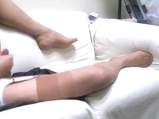 Heels, ff nylons and fine cum shots