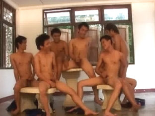 Sexy Arabs Play With White Twinks