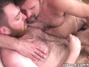 Hairy and Raw - A Sweaty Cumpilation - HairyAndRaw