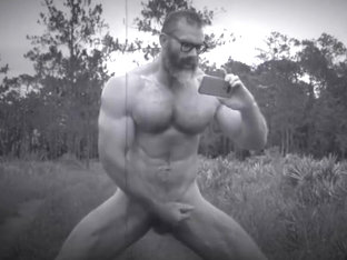Muscle Daddy Goes To Horny Forest