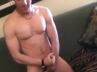 This Big Gay Guy Shows How Jerking Is Done