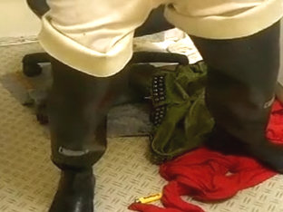 nlboots - cleaning in turned down waders long johns piss