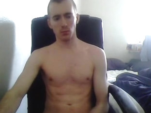 Handsome Gay Boy With Round Smooth Ass On Cam (California)