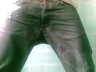 Pissing and jerkin off in darksome blue sagging Carhartt jeans