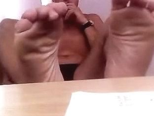 Straight guys feet on webcam #298