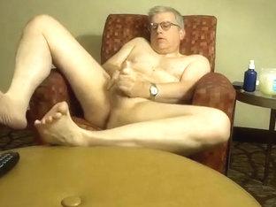 Dad jerking off in hotel room