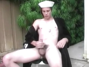 Sailor And His Mast