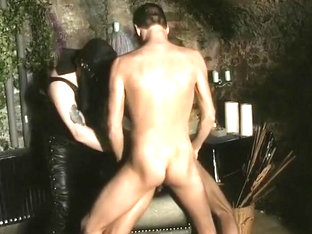 Fetish Leather Gays in Dungeon