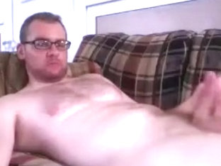 Hot fagot is beating off in the guest room and shooting himself on web cam
