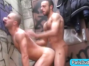 Amateur french guys fuck outdoors