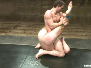 NakedKombat Patrick Rouge vs Phenix Saint