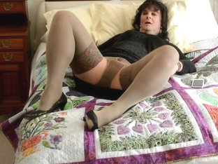 Amateur cd in layered nylons - part 2