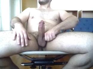 muscle guy wanking