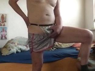 shorts und stripstring in silbergrau