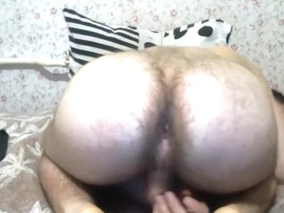 Hourny Guy Showing His Asshole On Webcam