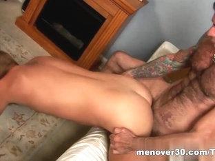 MenOver30 Video: Dr.Dad