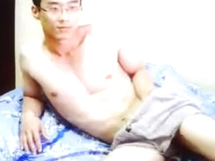 Handsome Korean play his lovely dick