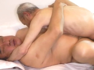 Japanese fat daddy sex with Huge dick grandpa