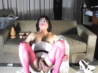 Alana streching