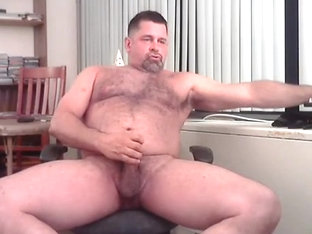 BEEFY COACH CUMS HUGE