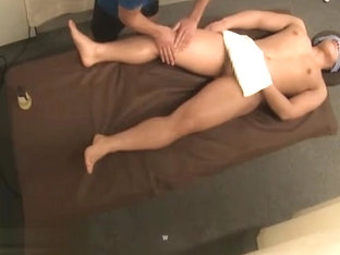 full service at asian massage salon