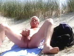 Wank on the beach