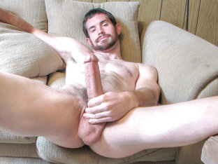 Hairy Jock Hunter Jerks Off - Hunter - StraightNakedThugs